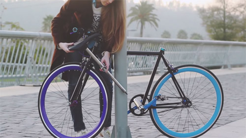 """""""Unstealable"""" bike transforms to become its own lock"""